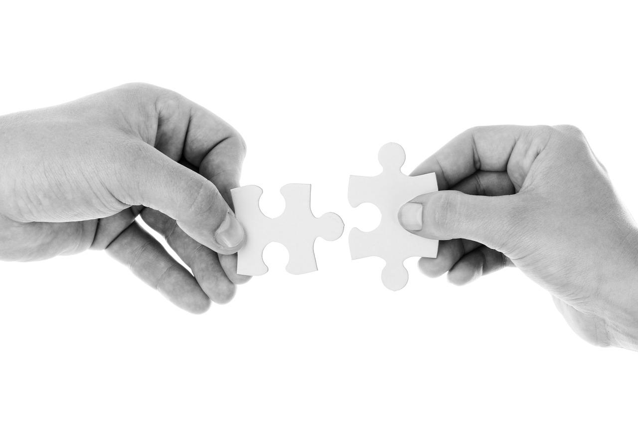 Les avantages et risques de s'associer pour créer son entreprise