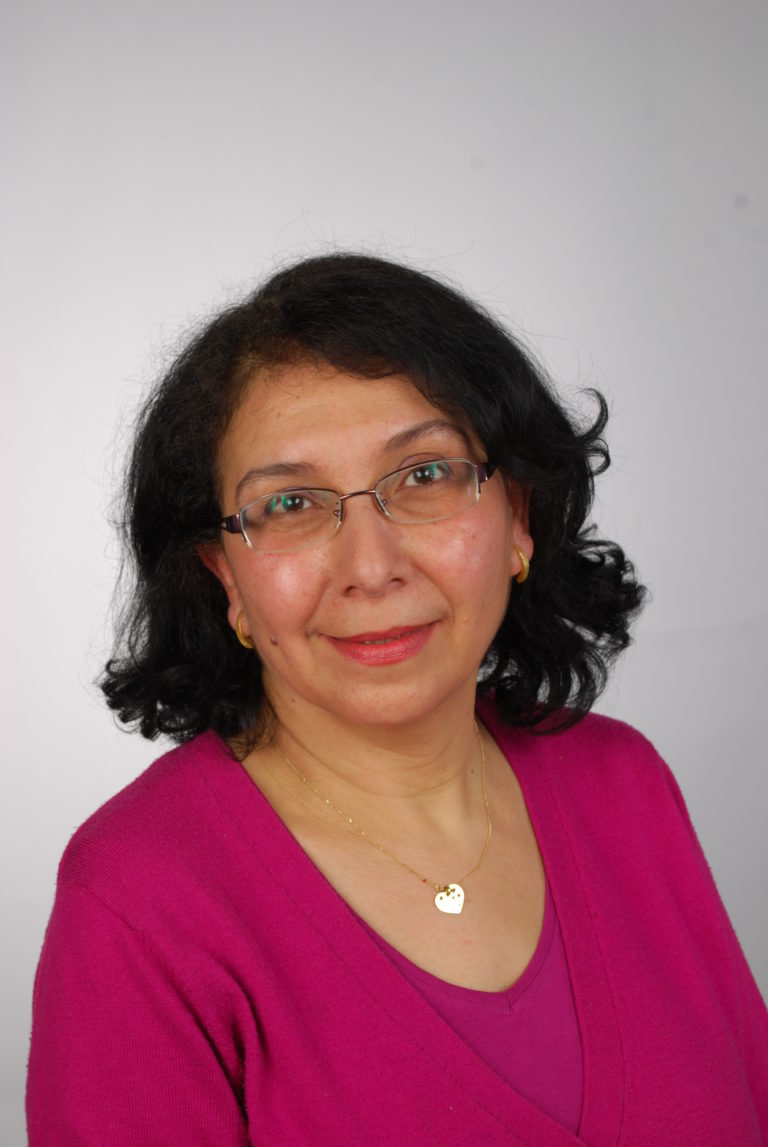 Portrait d'entrepreneure : Nacira Zegadi, fondatrice de Cardiags